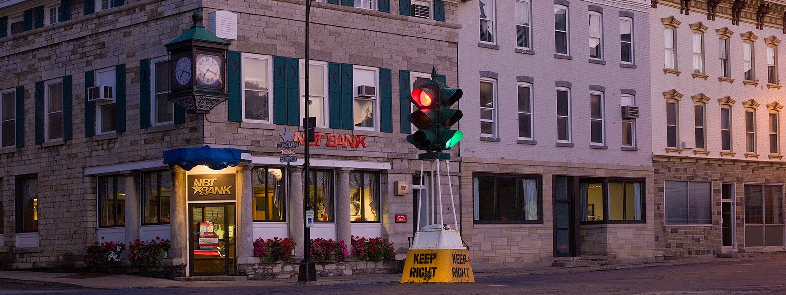 The Dummy Light and historic buildings at Montgomery and Main Street.