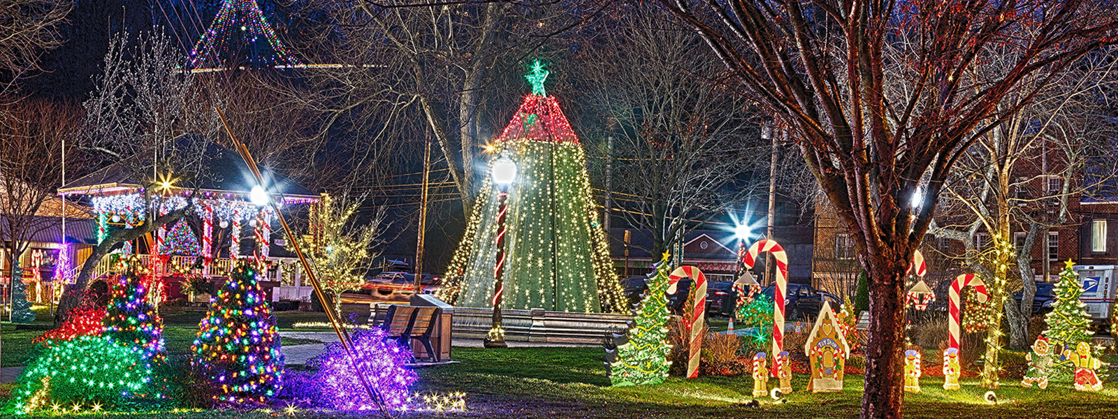 Holiday decorations in Haslett Park